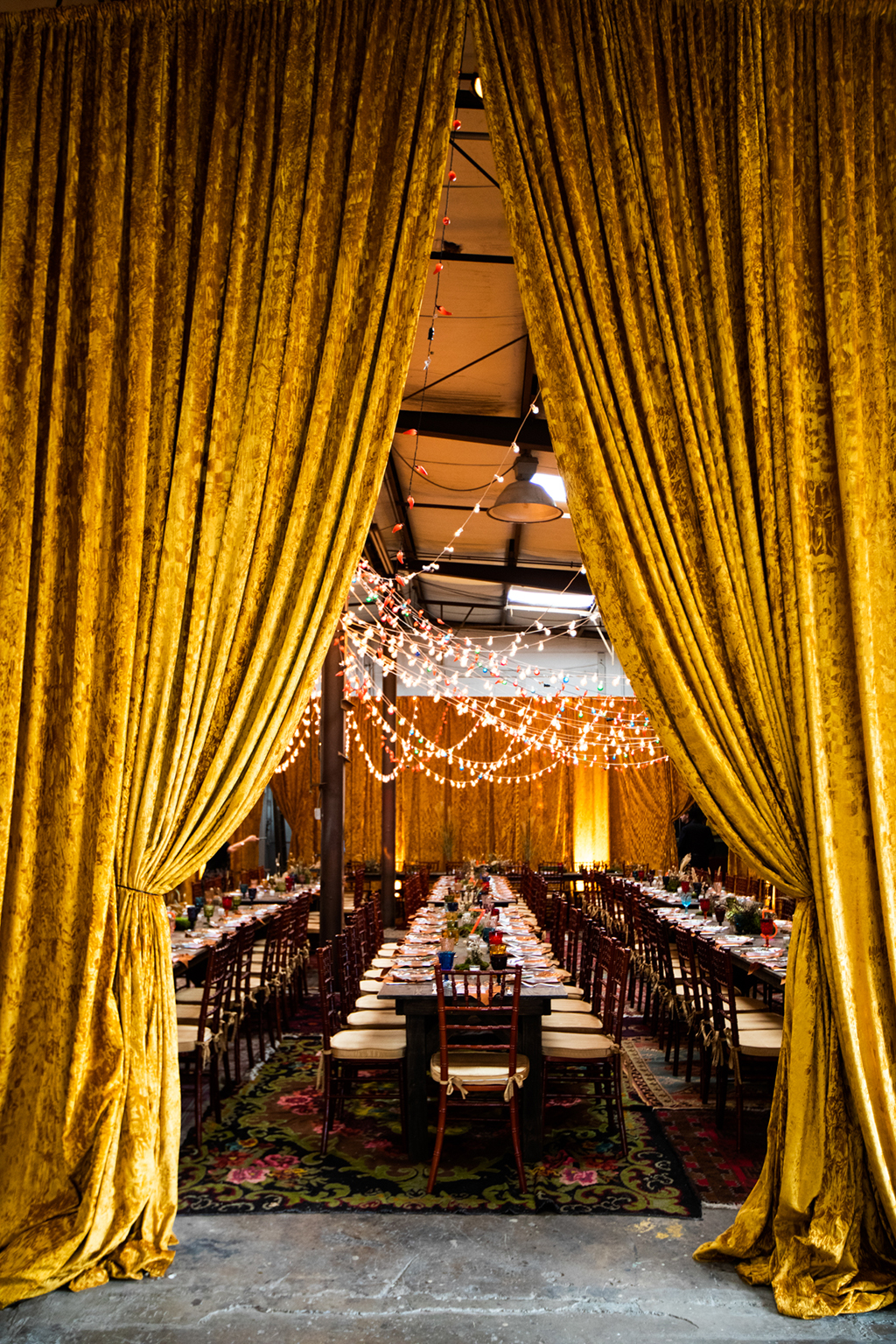 Warehouse and Wedding Venue: Check Out The Vintage Wedding Of Our Dreams
